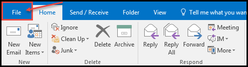 how to put an automatic reply on outlook